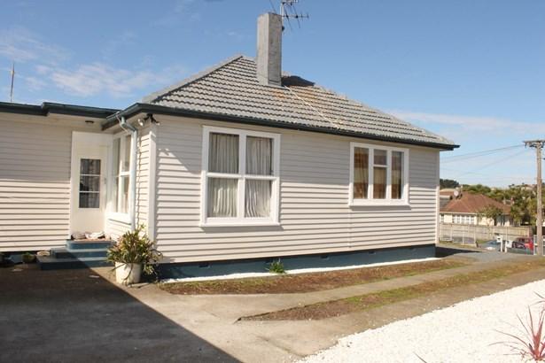 10 Christini Street, Mt Roskill, Auckland - NZL (photo 4)