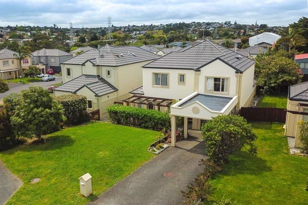 15 Pitfire Place, Blockhouse Bay, Auckland - NZL (photo 2)