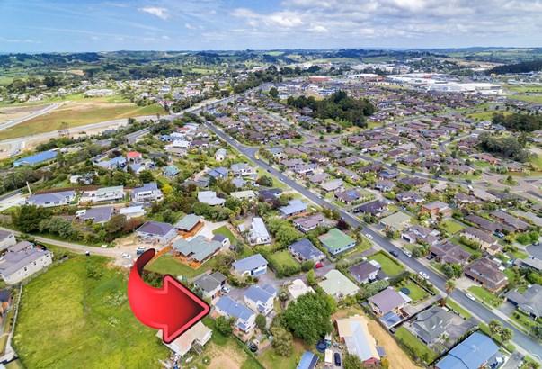 23b Jelas Road, Red Beach, Auckland - NZL (photo 3)