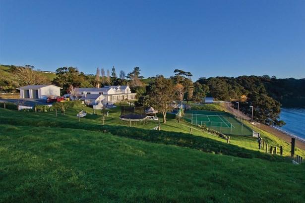 341 Gordons Road, Omiha, Auckland - NZL (photo 5)