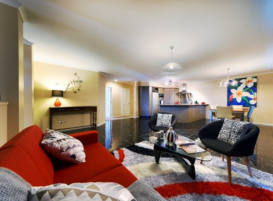 7 Pittville Place, Henderson Heights, Auckland - NZL (photo 3)