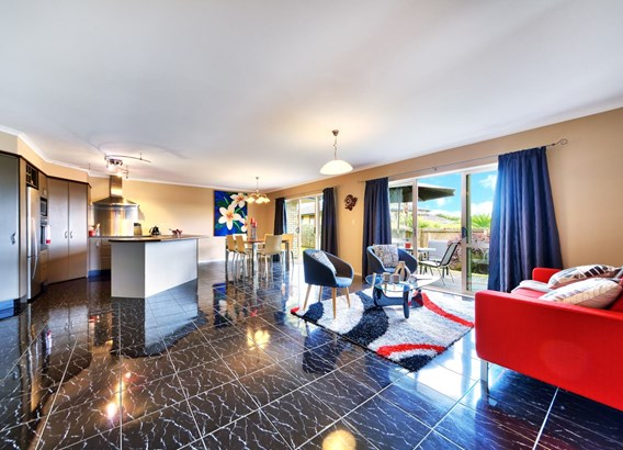 7 Pittville Place, Henderson Heights, Auckland - NZL (photo 5)