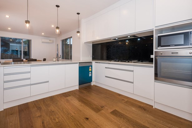 44b Bayview Road, Browns Bay, Auckland - NZL (photo 5)