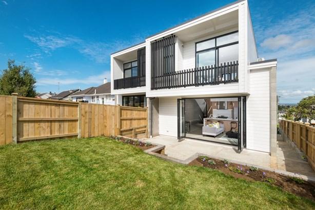26a Castledine Crescent, Glen Innes, Auckland - NZL (photo 1)
