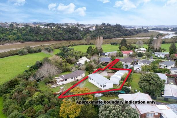 54 Taipari Road, Te Atatu Peninsula, Auckland - NZL (photo 1)