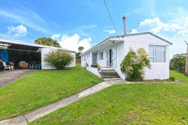 54 Taipari Road, Te Atatu Peninsula, Auckland - NZL (photo 4)