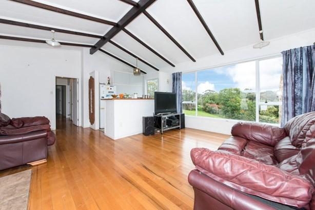 54 Taipari Road, Te Atatu Peninsula, Auckland - NZL (photo 5)