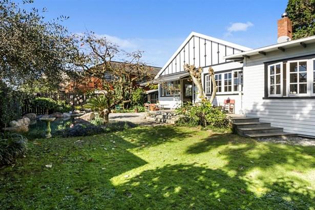 24 Colchester Avenue, Glendowie, Auckland - NZL (photo 2)