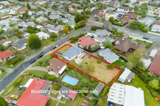 6 Tiroroa Avenue, Te Atatu South, Auckland - NZL (photo 1)