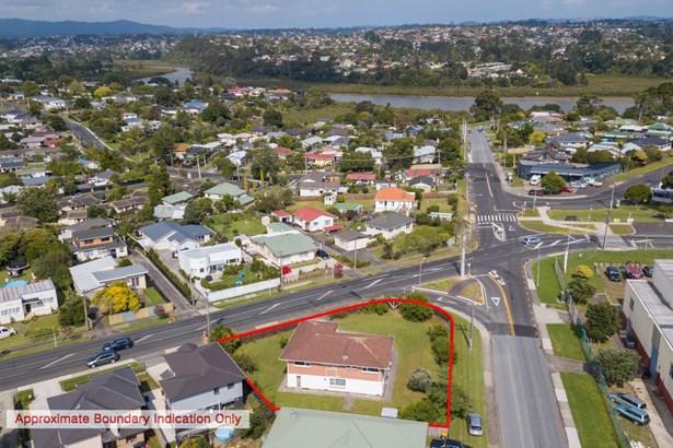 739 Te Atatu Road, Te Atatu Peninsula, Auckland - NZL (photo 1)