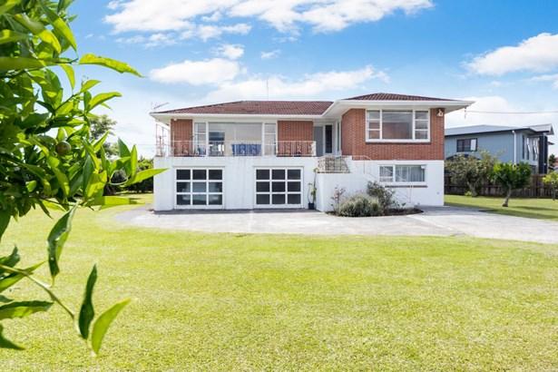 739 Te Atatu Road, Te Atatu Peninsula, Auckland - NZL (photo 4)