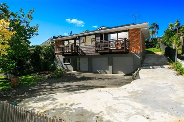 11 Crown Hill Close, Forrest Hill, Auckland - NZL (photo 4)
