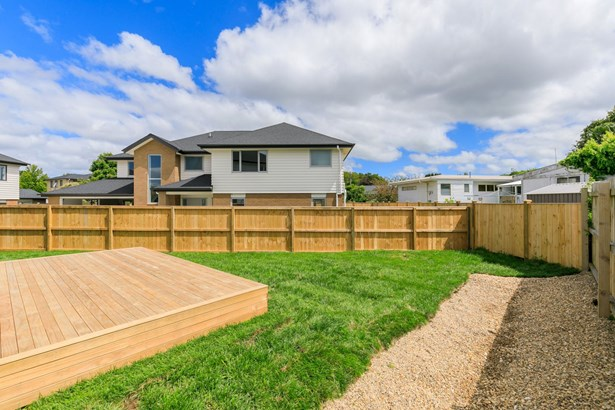 22a Buscomb Avenue, Henderson, Auckland - NZL (photo 3)
