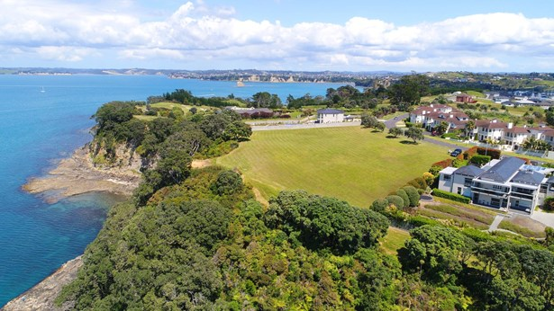 304-312 Pinecrest Drive, Gulf Harbour, Auckland - NZL (photo 2)