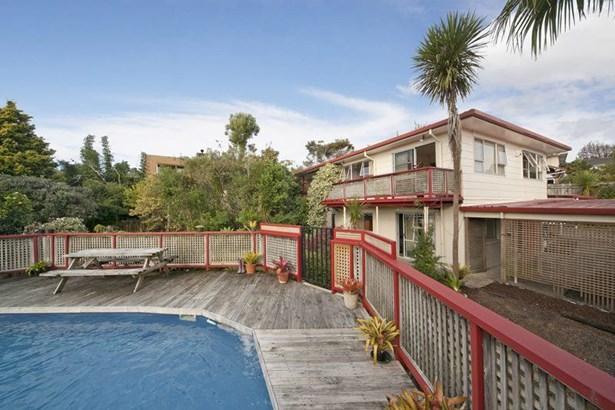 507 West Coast Road, Oratia, Auckland - NZL (photo 2)