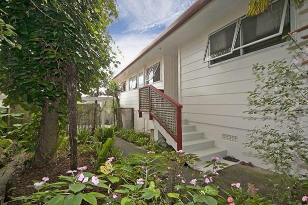 507 West Coast Road, Oratia, Auckland - NZL (photo 3)