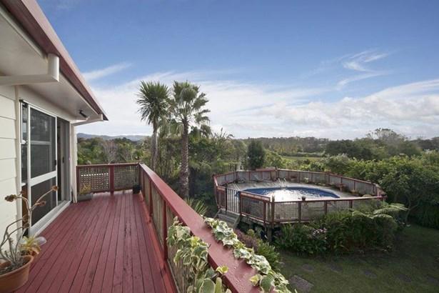 507 West Coast Road, Oratia, Auckland - NZL (photo 5)