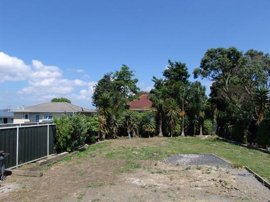 2/67 Neil Avenue, Te Atatu Peninsula, Auckland - NZL (photo 4)