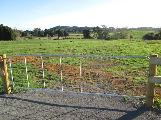 76 Markham Road, Ararimu, Auckland - NZL (photo 2)