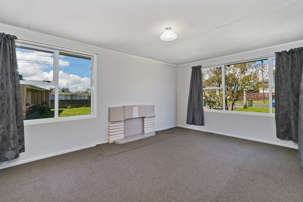 136 Tennessee Avenue, Mangere East, Auckland - NZL (photo 2)