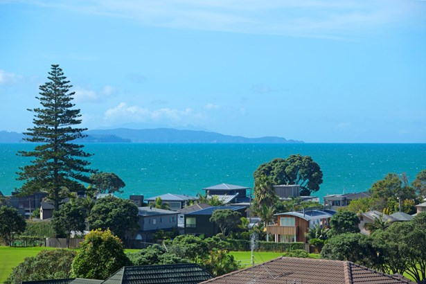 53 William Bayes Place, Red Beach, Auckland - NZL (photo 2)