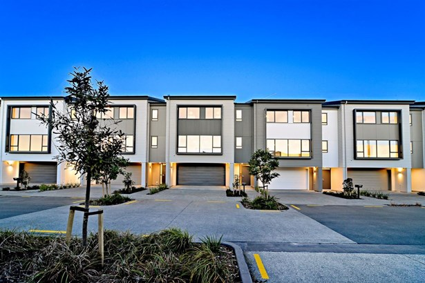 9,13&15 Tia Road, Flat Bush, Auckland - NZL (photo 3)