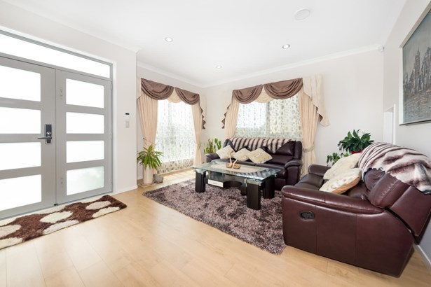 8 Palazzo Close, Mission Heights, Auckland - NZL (photo 4)