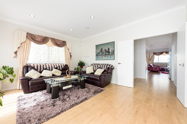 8 Palazzo Close, Mission Heights, Auckland - NZL (photo 5)