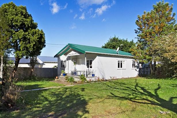 15 Brandon Road, Glen Eden, Auckland - NZL (photo 2)