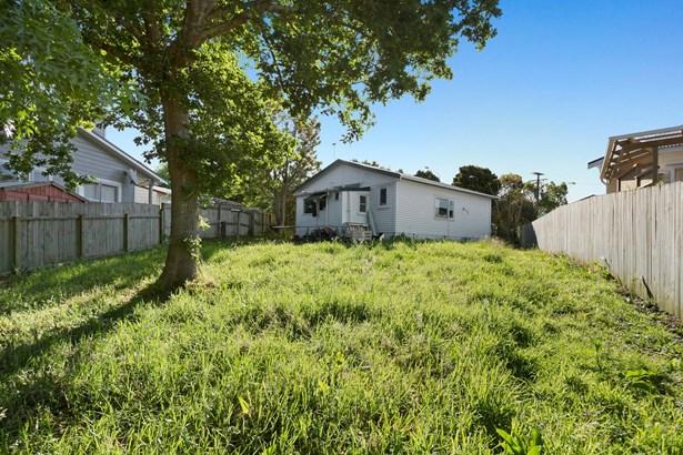 15 Brandon Road, Glen Eden, Auckland - NZL (photo 3)