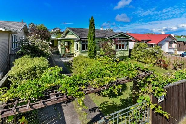 6 Creamer Avenue, Belmont, Auckland - NZL (photo 1)