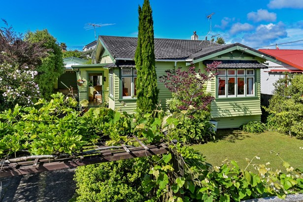 6 Creamer Avenue, Belmont, Auckland - NZL (photo 2)
