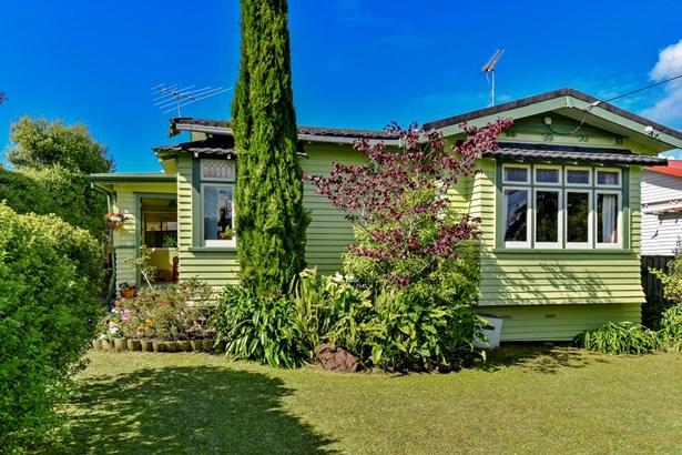 6 Creamer Avenue, Belmont, Auckland - NZL (photo 3)