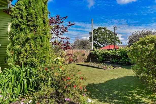 6 Creamer Avenue, Belmont, Auckland - NZL (photo 4)