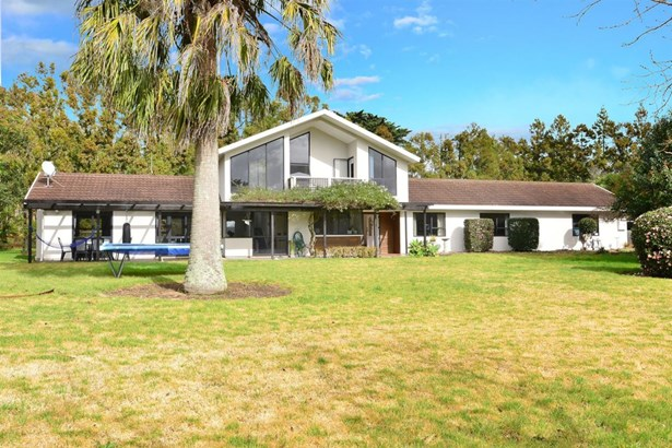 1403 Coatesville-riverhead Highway, Kumeu, Auckland - NZL (photo 4)