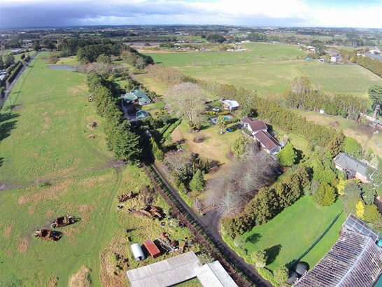 1403 Coatesville-riverhead Highway, Kumeu, Auckland - NZL (photo 5)