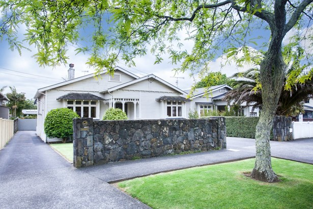 24 Nolan Road, Greenlane, Auckland - NZL (photo 1)