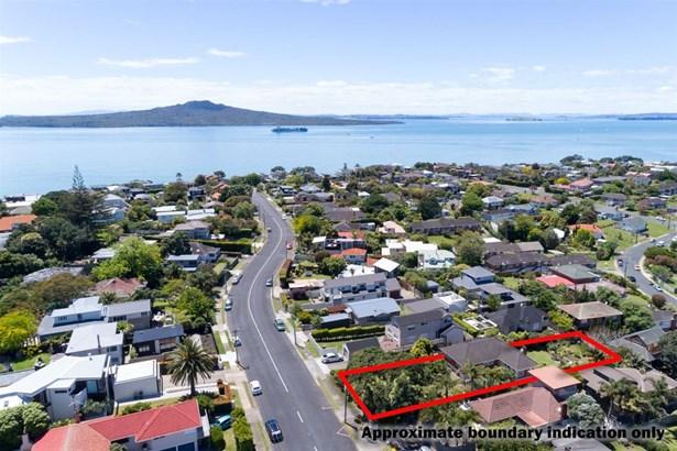 33 Williamson Avenue, Belmont, Auckland - NZL (photo 1)