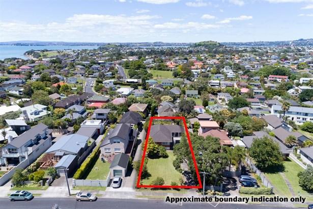 33 Williamson Avenue, Belmont, Auckland - NZL (photo 2)