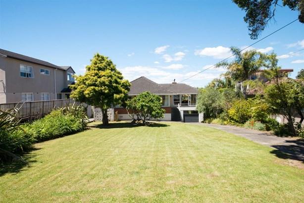 33 Williamson Avenue, Belmont, Auckland - NZL (photo 5)