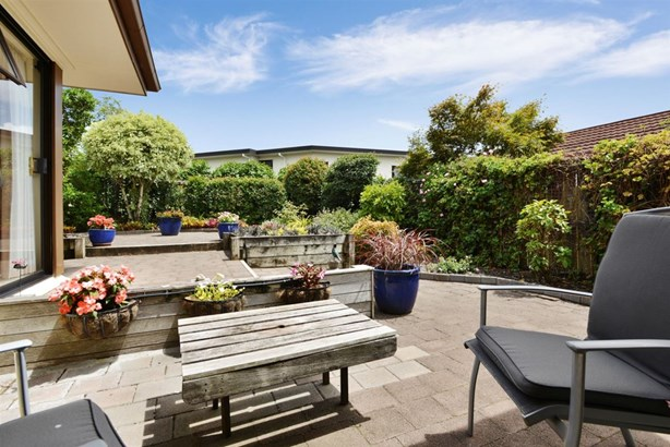 14 Oliver Road, Eastern Beach, Auckland - NZL (photo 4)