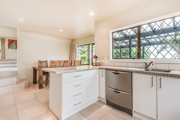 8 Blundell Place, Chatswood, Auckland - NZL (photo 5)