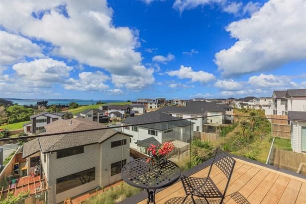 31 Headland Drive, Long Bay, Auckland - NZL (photo 5)