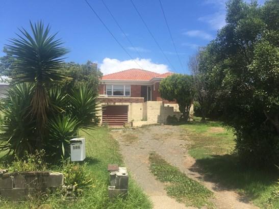 586 Massey Road, Mangere, Auckland - NZL (photo 1)