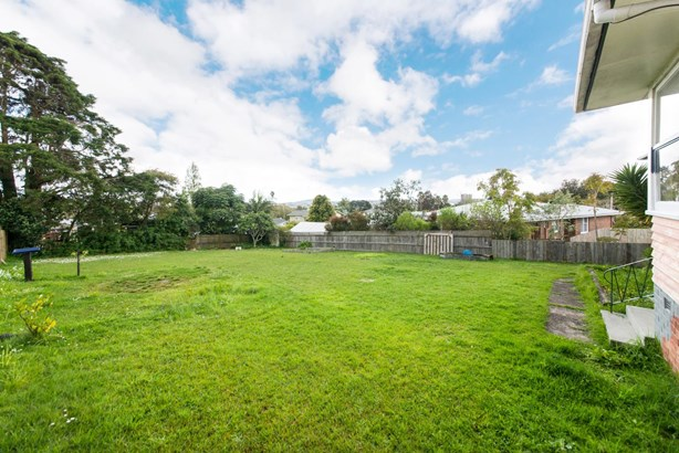 1 Maunder Place, New Lynn, Auckland - NZL (photo 4)