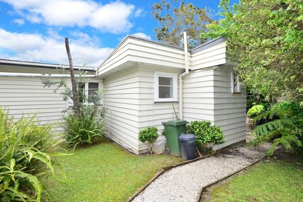 2/25 Pohutukawa Avenue, Red Beach, Auckland - NZL (photo 1)