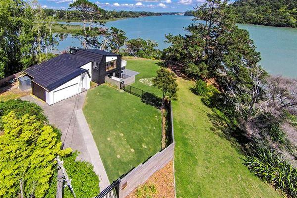 230 Manuka Road, Glenfield, Auckland - NZL (photo 1)