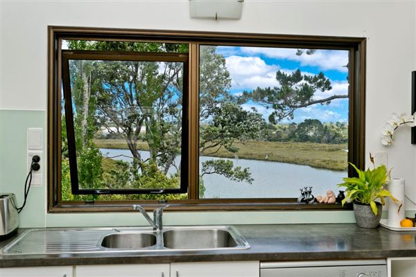 230 Manuka Road, Glenfield, Auckland - NZL (photo 4)