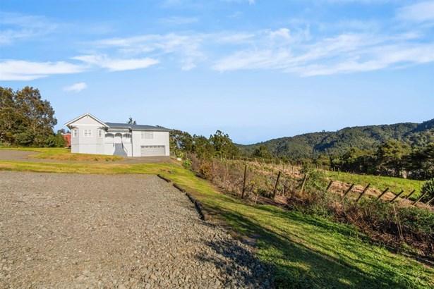 13 Welsh Hills Road, Swanson, Auckland - NZL (photo 2)