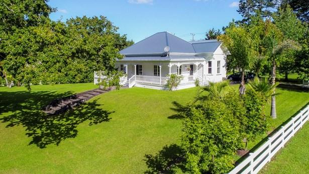 1 Parklands Avenue, Swanson, Auckland - NZL (photo 2)